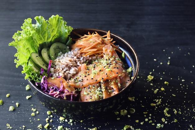 Receita poke bowl salmão