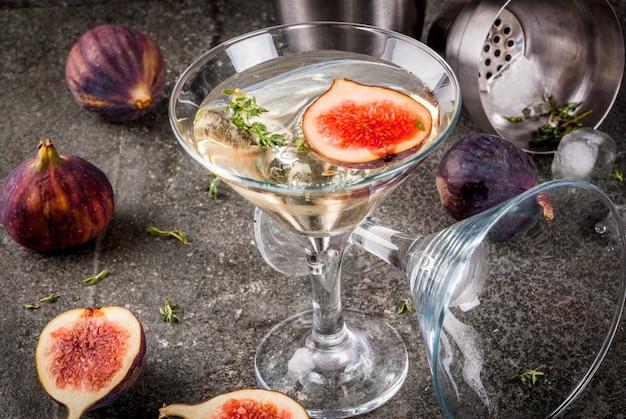 Receitas de bebidas de outono e inverno, coquetel de martini com figo, tomilho e mel