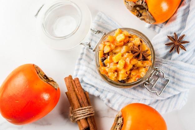Receitas de comida indiana tradicional, chutney de frutas caqui