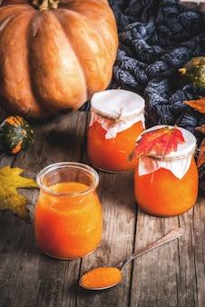 Receitas de outono, pratos de uma abóbora.