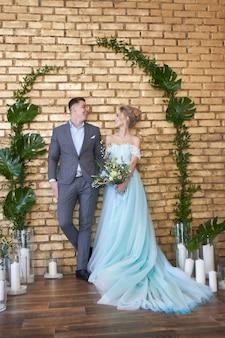 Recém casados casal, amando o casal antes do casamento