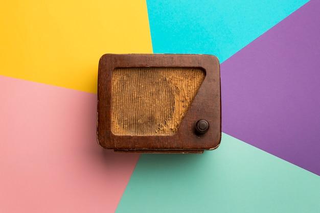 Receptor de rádio de transmissão retro de madeira