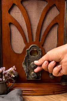 Receptor de rádio vintage luxuoso de close-up