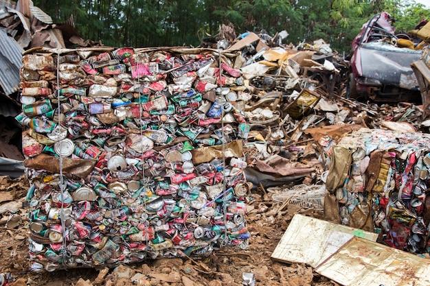 Reciclagem de alumínio na fábrica