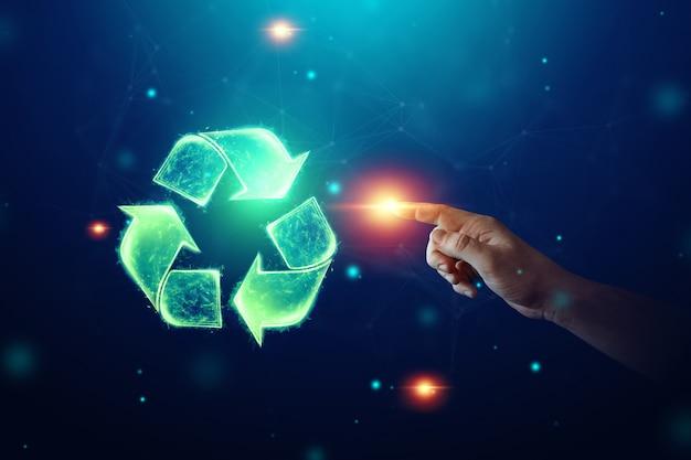 Reciclagem de sinal de holograma em um fundo azul. o conceito de terra limpa, coleta de lixo.