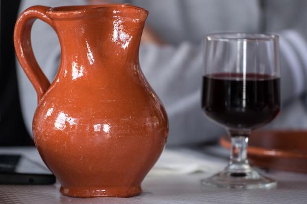Recipiente de vinho e vidro
