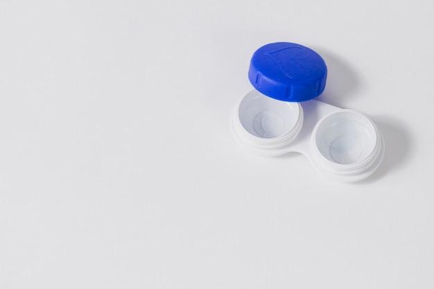 Recipiente para lentes de contacto com tampa azul