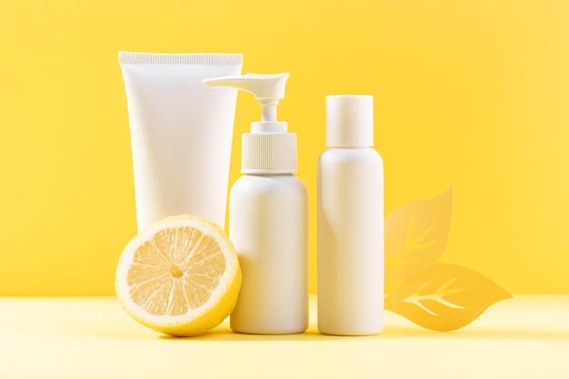 Recipientes cosméticos com limão