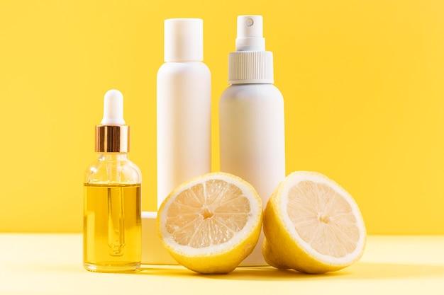 Recipientes cosméticos com limões