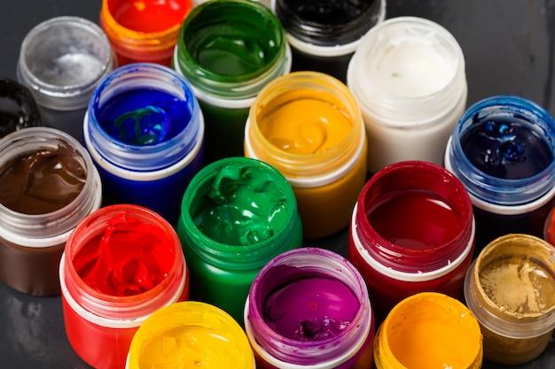 Recipientes de cores acrílicas