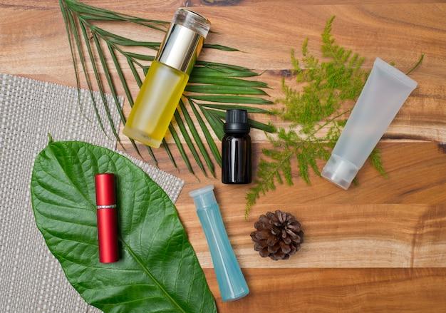 Recipientes de garrafa de cosméticos naturais