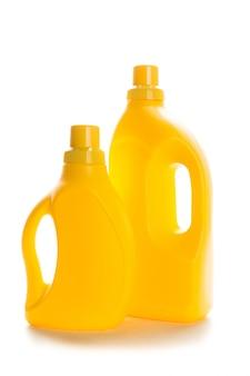 Recipientes de plástico amarelo