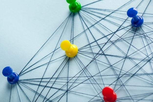 Rede com pinos e fio