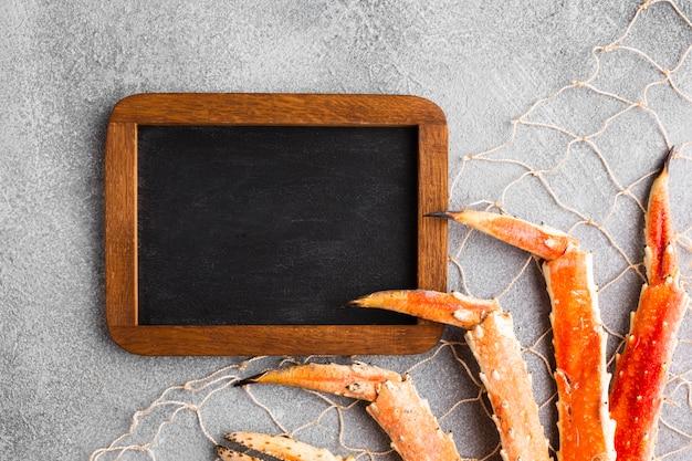 Rede de peixe close-up vista superior com lagosta
