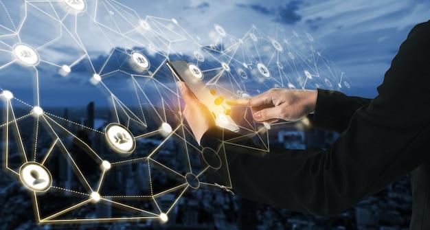 Rede de pessoas e conceito de comunicação criativa global