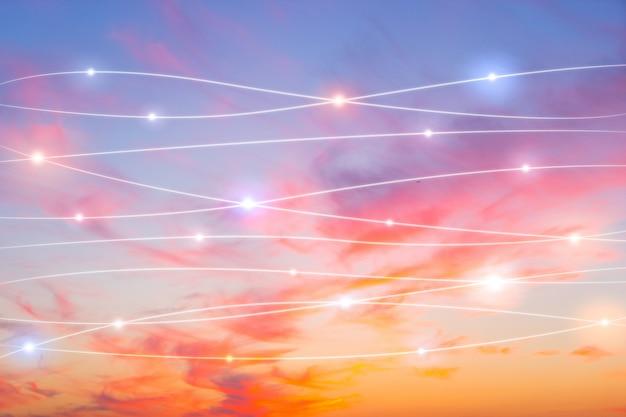 Rede e conceito de nuvem no céu