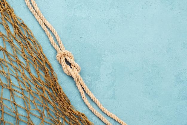 Rede náutica de corda e peixe