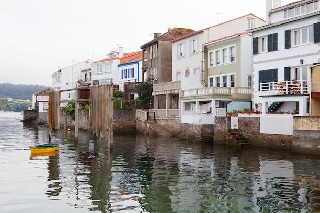 Redes: vila de pescadores da espanha ligada ao mar