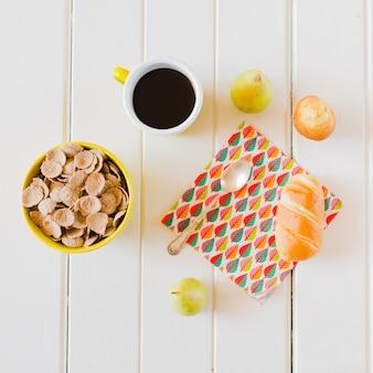 Refeição deliciosa composta na mesa