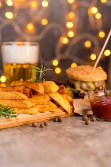 Refeição deliciosa fast-food com bokeh