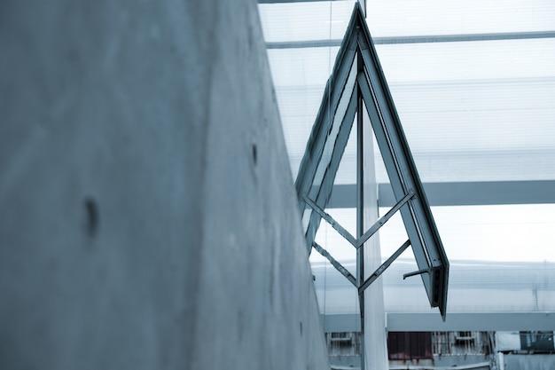 Reflexão de uma janela aberta