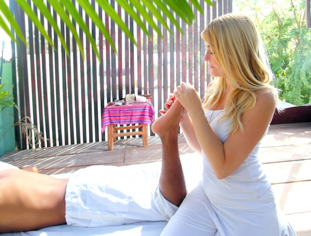 Reflexologia massagem terapêutica fisioterapia selva