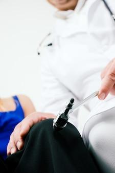 Reflexos de teste médico