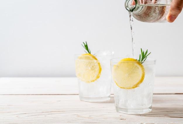 Refrigerante de limonada de gelo