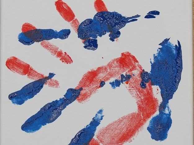 Reimprimir dedo handprint aquarela tintas mão