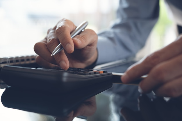 Relatório financeiro de cálculo comercial