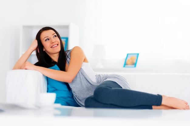 Relaxamento no sofá