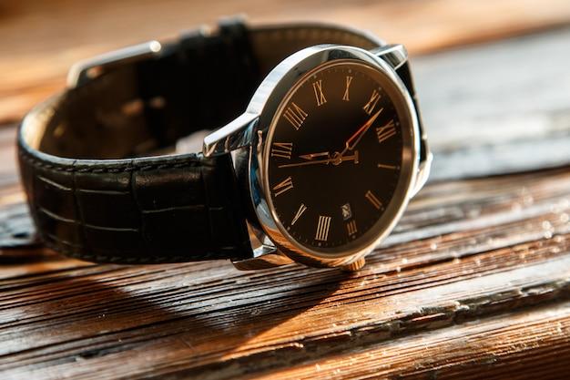 Relógio de pulso caro