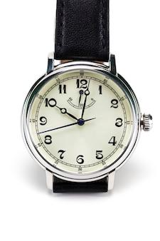 Relógio de pulso masculino isolado no branco