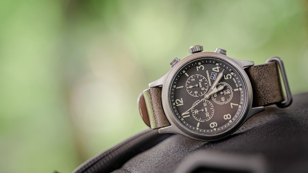 Relógio de pulso masculino vintage