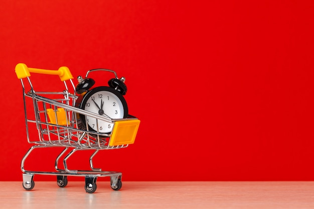 Relógio no carrinho de compras
