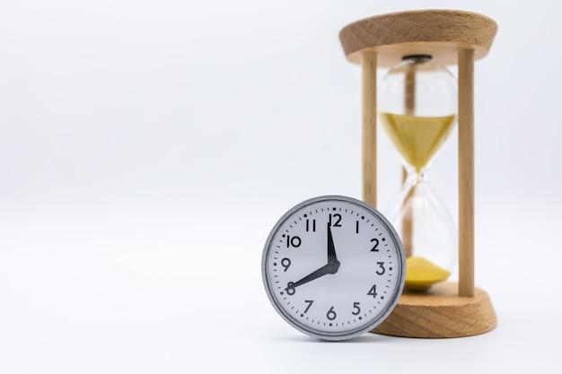 Relógio vintage com ampulheta