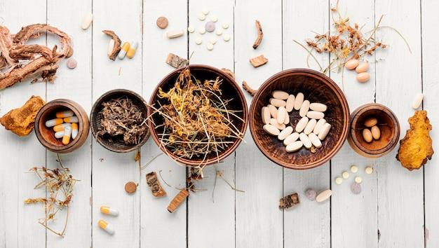 Remédio herbal em pílula