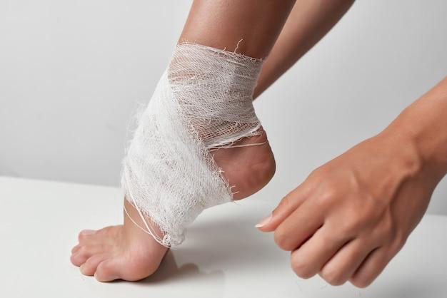 Remédio para ferimentos, problemas de saúde nas pernas enfaixadas