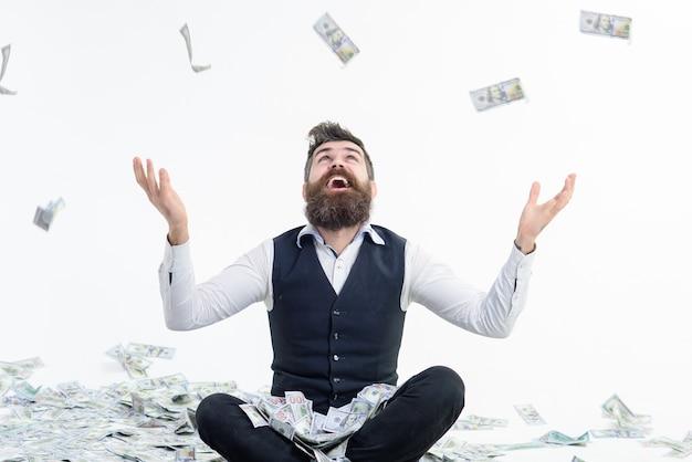 Renda de loteria de compras, benefício, pessoas, conceito, retrato, de, satisfeito, barbudo, milionário