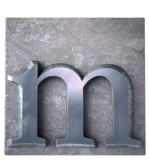 Renderização 3d de uma letra m em impressão datilografada metálica
