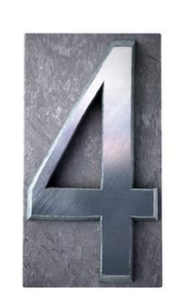 Renderização 3d do número 4 em letras maiúsculas datilografadas