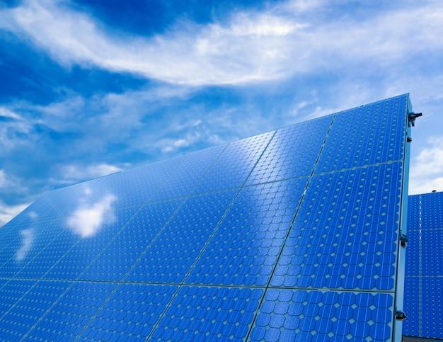 Renderização 3d do painel solar com fundo de céu azul