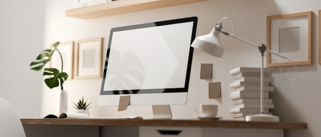 Renderização 3d, vista através da parede de vidro da sala de home office com computador, suprimentos e decorações na mesa