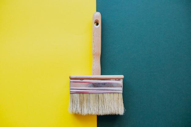 Repara a escova de pintura para reparos