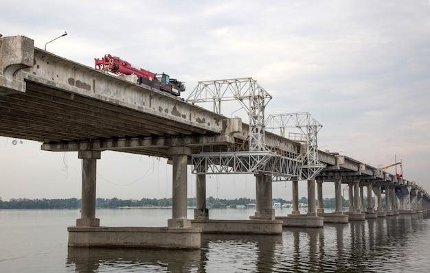 Reparação da ponte central na cidade de dnepr