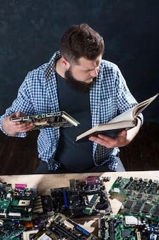 Reparação de dispositivos eletrônicos e técnicos de diagnóstico