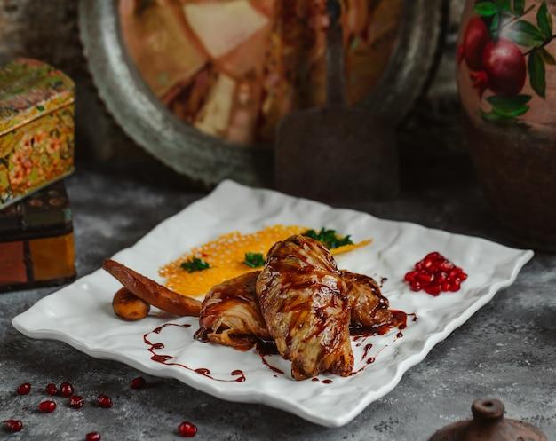 Repolho azerbaijano dolma couve folhas recheadas com carne e arroz