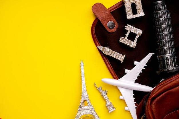 Reservas online e conceito de viagens com lembrança