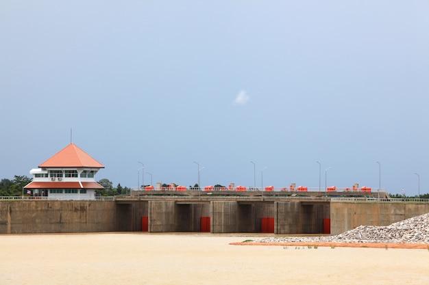 Reservatório e barragem
