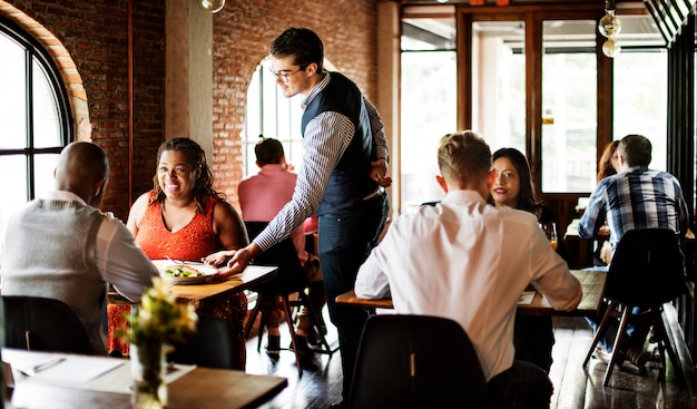 Restaurante que refrigera para fora o conceito reservado do estilo de vida elegante